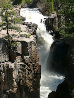 Berg canada falls rocky athabasca