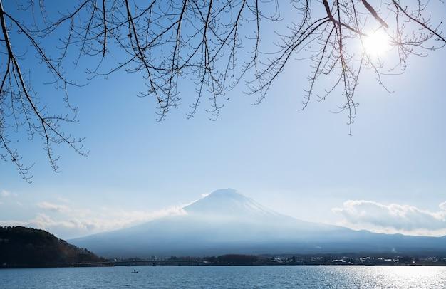 Berg fuji mit kawaguchigo see