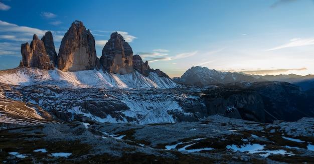 Berg tre cime di lavaredo in den italienischen alpen