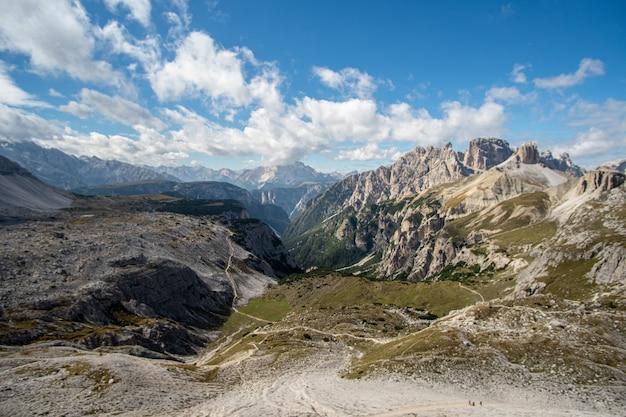 Berglandschaft im naturpark drei zinnen in italien