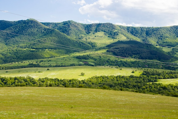 Berglandschaft und aussicht in tsalka, georgia