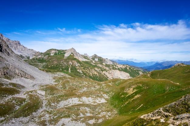 Berglandschaft und mone pass in pralognan la vanoise, französische alpen, frankreich