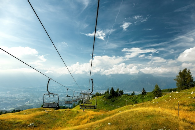Bergsessellift in nevegal, belluno, italien.