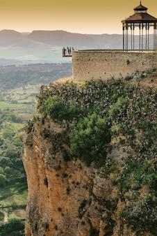 Berühmter aussichtspunkt in ronda (balcon del cono), andalusien, spanien