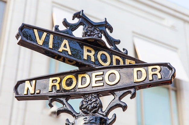 Berühmter steetsigh von rodeo dr in los angeles, dem luxusblock