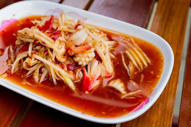 Berühmtes thailändisches essen, papayasalat oder was wir genannt haben
