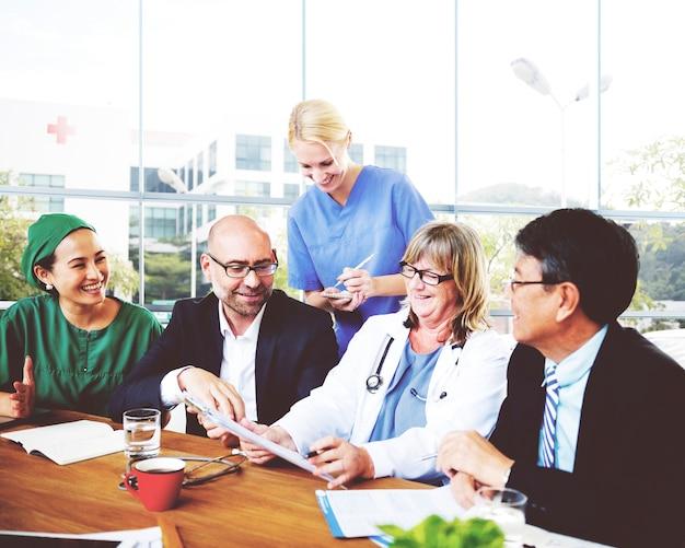 Berufsberuf doktor meeting hospital concept