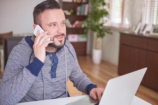 Beschäftigter tag, weil ich so viele anrufe tätigen muss