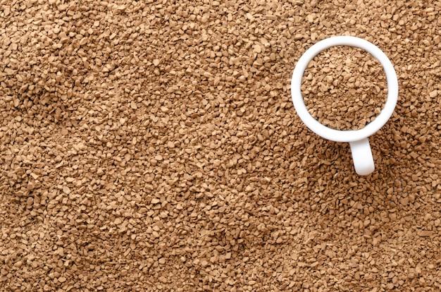 Beschaffenheit des instantkaffees mit einer seemöwe.