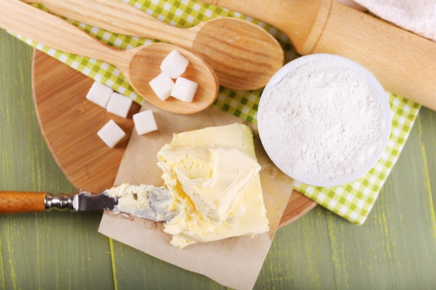 Bestandteile von keksen, auf farbe holz