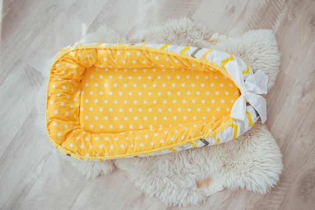 Bettwäsche für kinder. schöne helle textilien