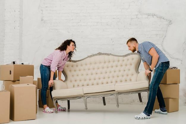 Bewegliches sofa der paare