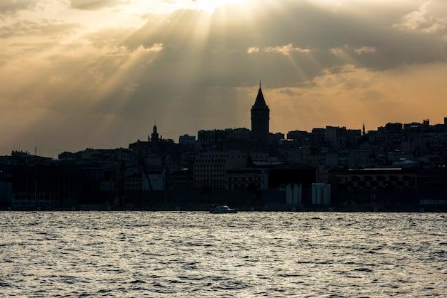 Bewölkter himmel in istanbul die türkei