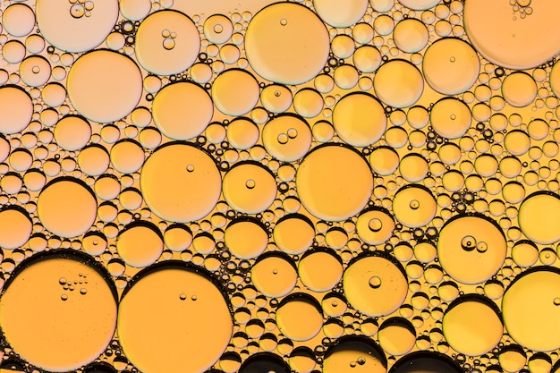 Bienenwabenöl fällt auf gelb
