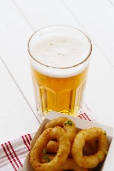 Bier und snacks