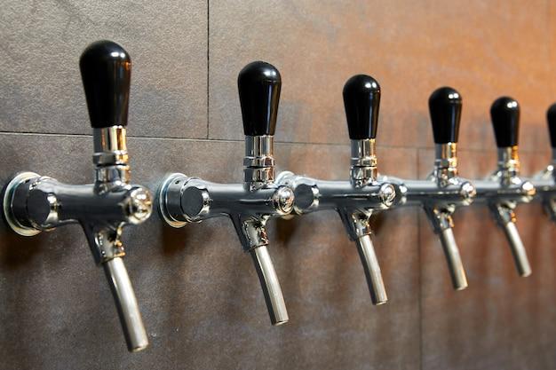 Bierausrüstung für die bierabfüllung in reihe