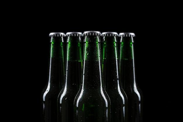 Bierflaschen oben