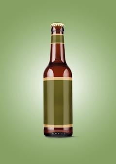 Bierflaschenmodell mit leerem etikett auf grünem hintergrund. oktoberfest-konzept.
