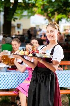 Biergarten-restaurant - bier und snacks