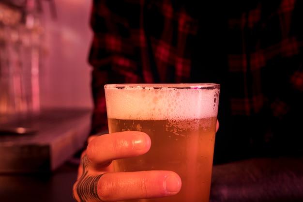 Bierglas in der bar