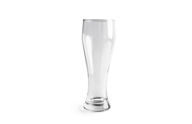 Bierglas isoliert auf weiß.