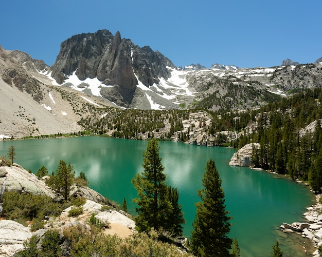 Big pine lake im inyo national forest, kalifornien, usa