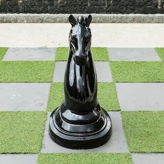 Big schachbrett - big horse schach