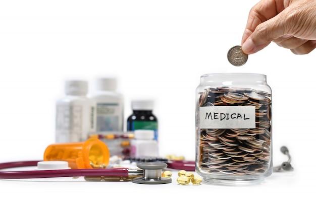 Bild auf dem konzept des einsparens des geldes zum medizinischen zweck und zum geschäft, einsparung, wachstum, wirtschaftlich