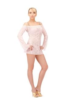 Bild in voller länge von sexy frau im transparenten kleid