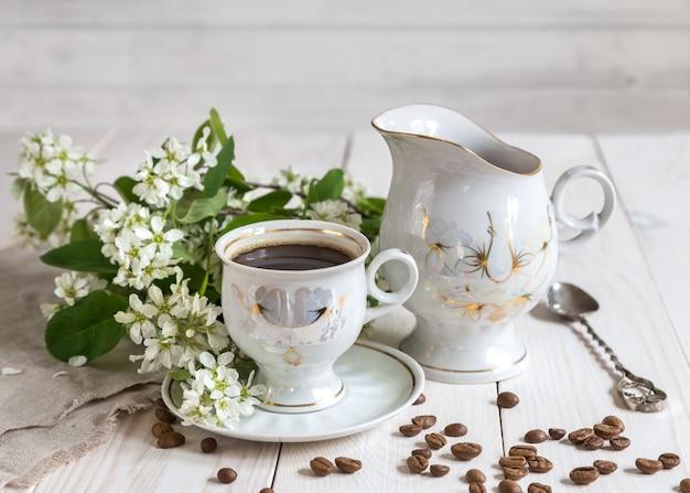 Bild mit einer tasse kaffee