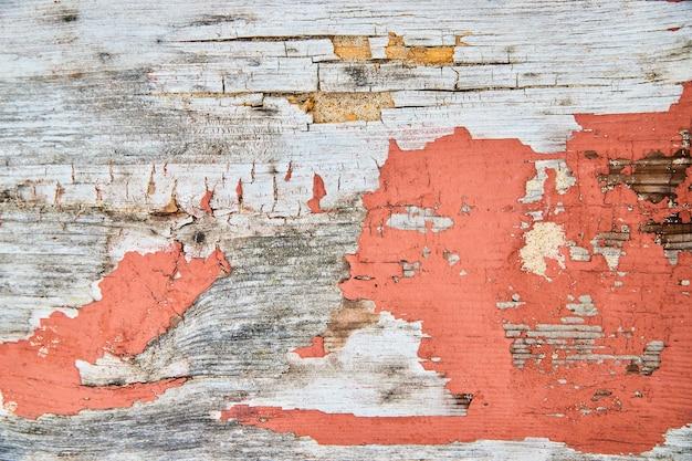 Bild von peeling wood texture detail mit orange