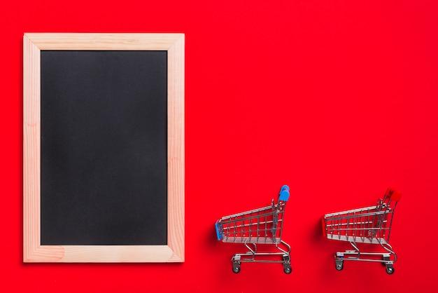 Bilderrahmen und einkaufswagen
