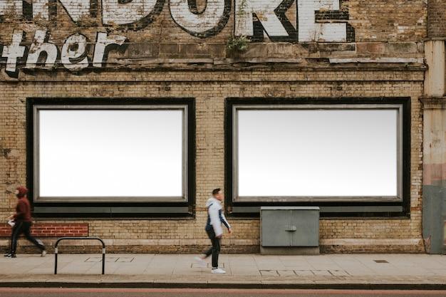 Billboard mit designfläche an der straße von london