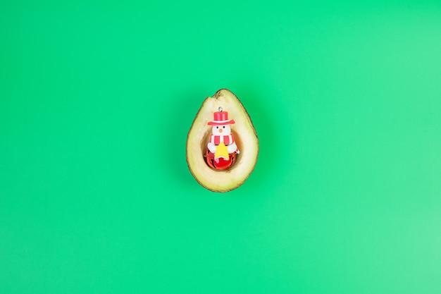 Bio-avocado-schneemann