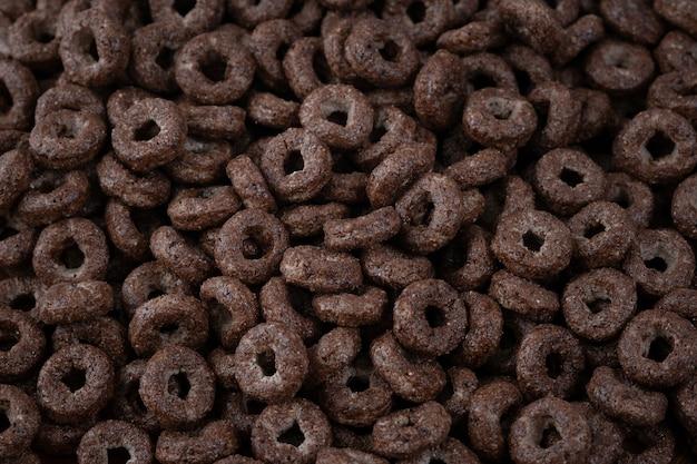 Bio-frühstückszerealien aus schokolade