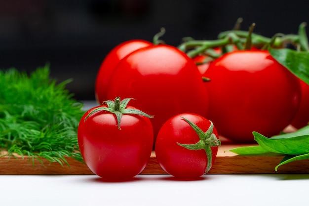 Bio reifes bio-gemüse. umweltfreundliche produkte für eine gesunde, saubere ernährung.
