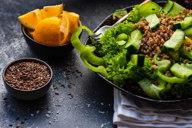 Bio veganes salatkonzept
