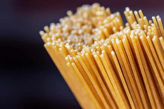 Bio-vollkorn-spaghetti-nahaufnahme
