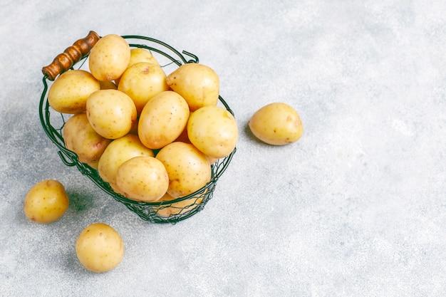 Bio weiße babykartoffeln