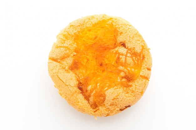 Biskuitkuchen mit goldenem eigelbfaden