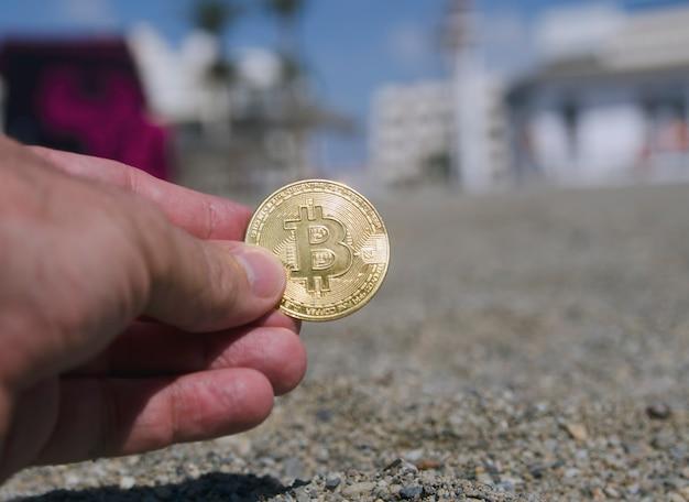 Bitcoin ada coin token digitale kryptowährungsmünze ein verstecktes schatzkonzept