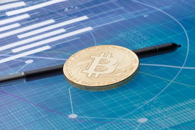 Bitcoin auf blauem abstraktem finanzhintergrund. bitcoin-kryptowährung