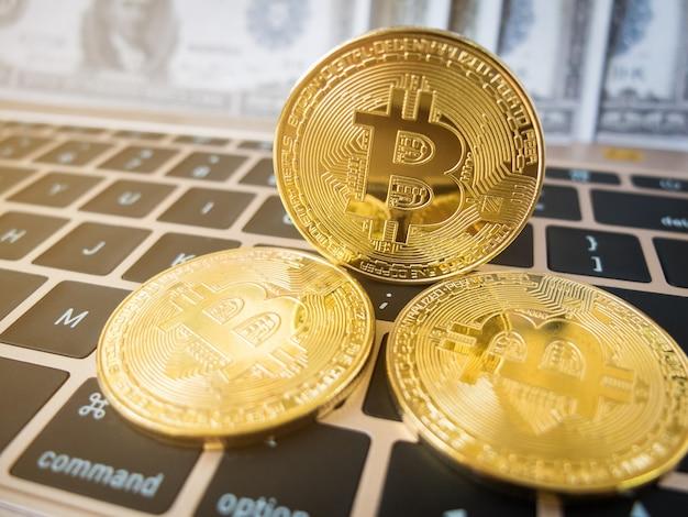 Bitcoin auf der tastatur