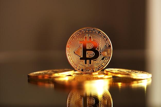 Bitcoin goldmünzen. kryptowährungskonzept.