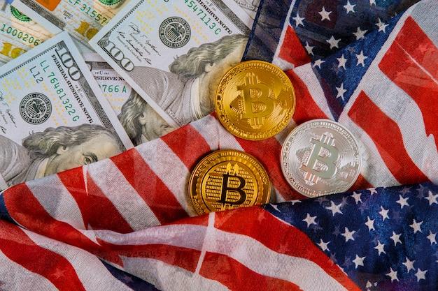 Bitcoin-kryptowährung und banknoten des us-dollars mit us-flagge prägen virtuelles geld