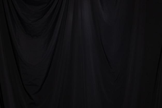 Black curtain drapieren welle