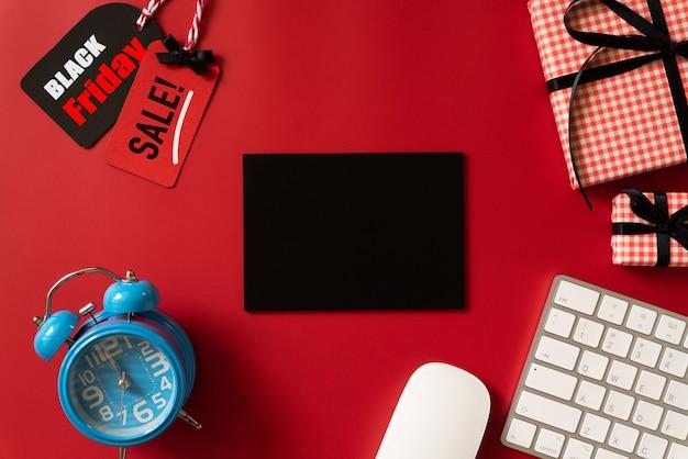 Black friday-verkaufstext auf einer roten marke