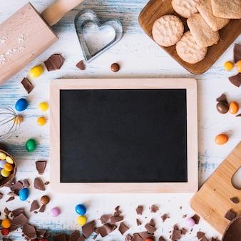 Blackboard unter ostern süßigkeiten
