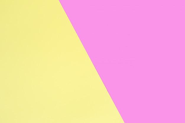 Blätter aus rosa und gelbem papier.
