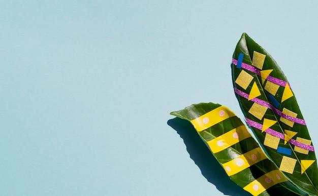 Blätter mit exemplarplatzhintergrund